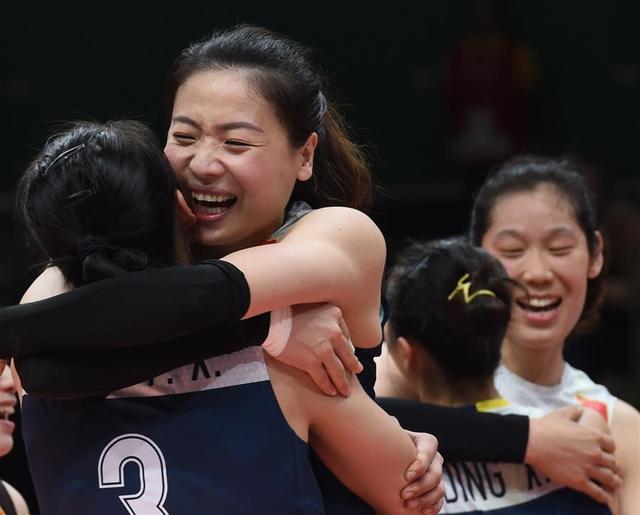 逆袭!中国女排逆转巴西 八年后重回奥运四强