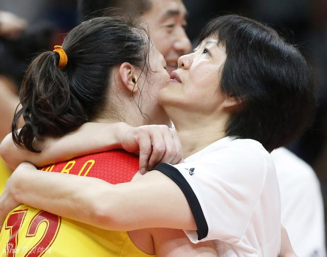 明星刷屏狂赞女排:眼含热泪!这才是中国记忆