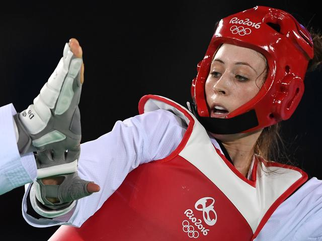 跆拳道女子57kg英选手16-7完胜 如愿摘金卫冕