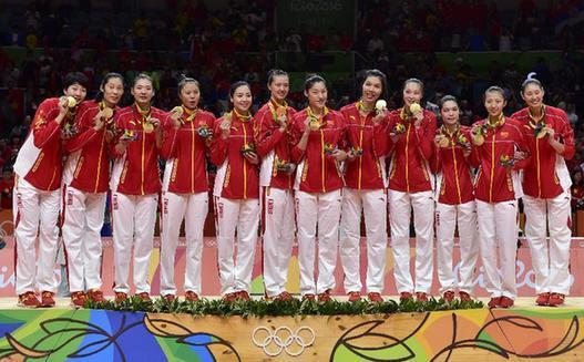 中国女排迈入新黄金时代 为郎平点赞女排喝彩