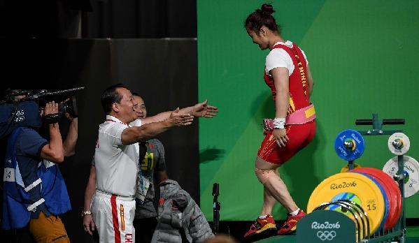 陈文斌赞邓薇稳定认真:她还能打东京奥运会