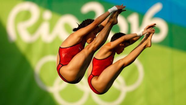 英媒狂赞中国跳水队:绝对的老大 动作太流畅