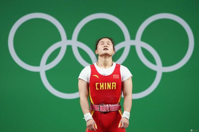【慢镜头】邓薇一举征服世界 巴西观众起立喝彩