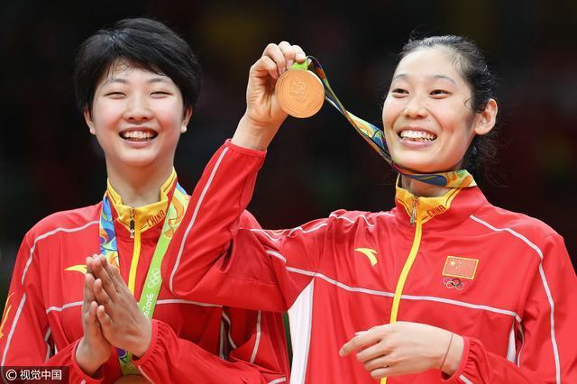 排球总结:中国女排低开高走 时隔12年再登顶