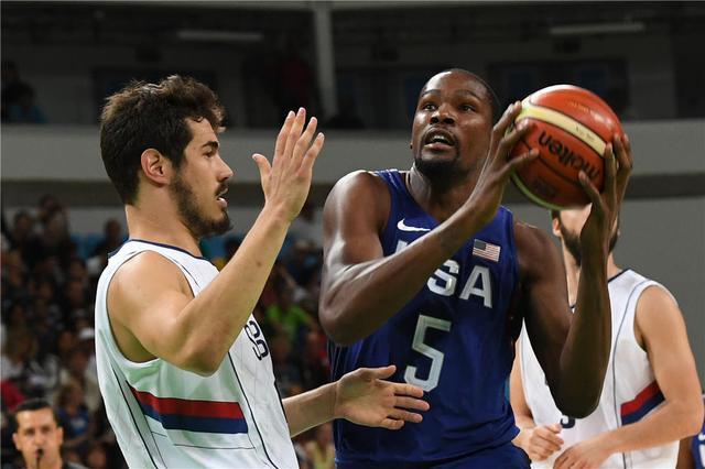 奥运男篮-美国狂胜塞尔维亚三连冠 杜兰特30分