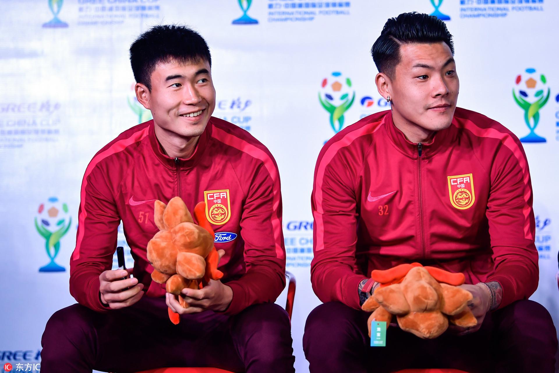 高清:中国杯见面会球星云集 王大雷噘嘴卖萌