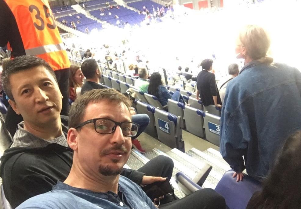 郭士强现身欧冠篮球赛场 同框前宝岛名将(图)