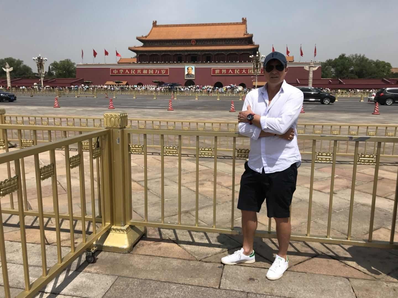 高清:富力斯帅畅游北京拍照留念 登长城自拍