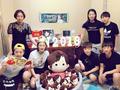 高清:丁宁和朋友庆生晒美照 5个生日蛋糕抢镜
