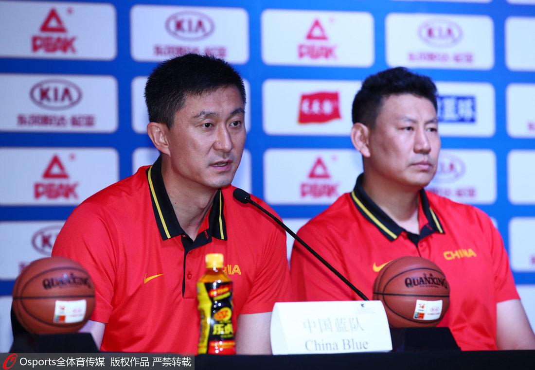 高清:斯杯举行赛前发布会 李楠杜锋一同出席