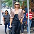 高清:莎拉波娃超模范er街拍 阔腿裤运动鞋大步流星
