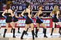 高清:篮球宝贝黑衣热舞助阵 大秀长腿显性感