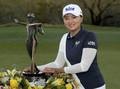 LPGA奠基人杯韩国选手夺冠 科达小姐姐秀美腿