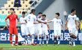 高清:中国杯国足垫底 目送对手进球身影无奈