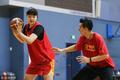 高清:中国女篮集训备战 李月汝练习背身技术