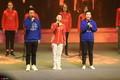 组图:昔日高低杠公主何可欣亮相大学生电影节 献唱《我和我的祖国》