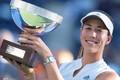 WTA蒙特雷赛女阿扎伦卡伤退 穆古拉扎喜提冠军奖杯