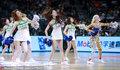 高清:篮球宝贝助阵广东德比 激情热舞秀长腿