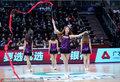 高清:拉拉队热舞助阵辽疆战 激情飞舞红丝带