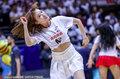 高清:篮球宝贝助阵总决赛 身着新疆助威T恤