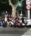 哈登和朋友上海骑电动车遭交警拦截 违反交规车辆被扣