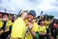 特步企鹅跑广州站跑者特写:Kisscam跑者大方拥吻