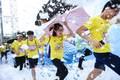 特步企鹅跑深圳站跑者特写 新奇互动点亮跑者笑脸