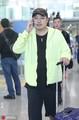 组图:中国乒乓球队结束赴美交流回国 刘国梁领衔现身机场