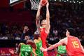 高清:世界杯首战男篮力克科特迪瓦 阿联篮下强起