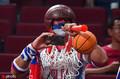 组图:篮球世界杯球迷争奇斗艳 赛场体验异国风情