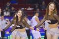 高清:篮球宝贝激情热舞 透视装秀一字马
