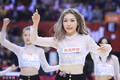 高清:篮球宝贝热舞助威主队 透视装秀曼妙身材