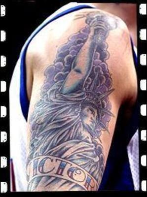 科比纹身蝴蝶皇冠图片图片