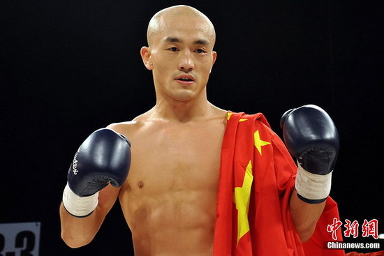 资料图:少林武僧一龙拉斯维加斯击败ikf现役自由搏击冠军,海豹突击
