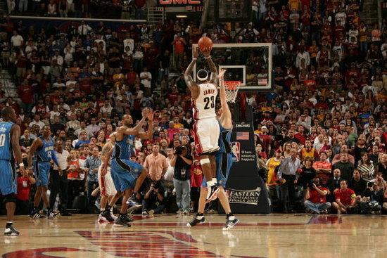 NBA经典绝杀瞬间:科比高难度漂移 麦蒂销魂一
