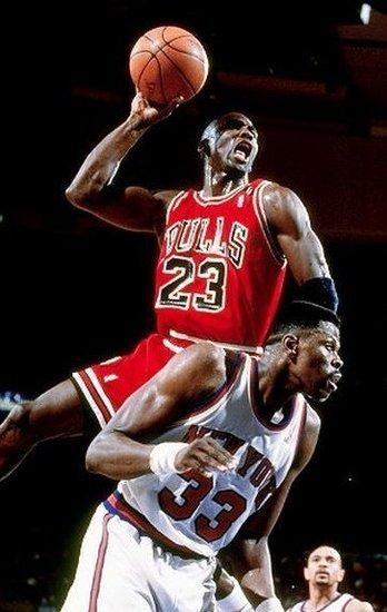 NBA10大扣篮背景 格里芬羞辱3人 大竹竿居首图片
