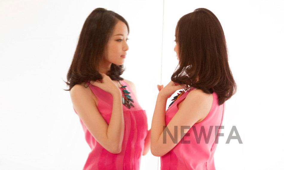个24岁的南京女孩已经是一夜成名.她不止一次说要做一个好演员,