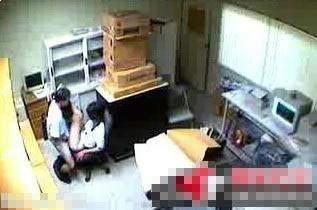 性感女白领办公室内偷情激情视频曝光