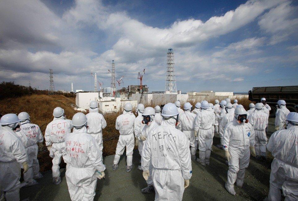 福岛�9o��'��jyf_福岛核电站第二次向媒体开放 记者全副武装进入