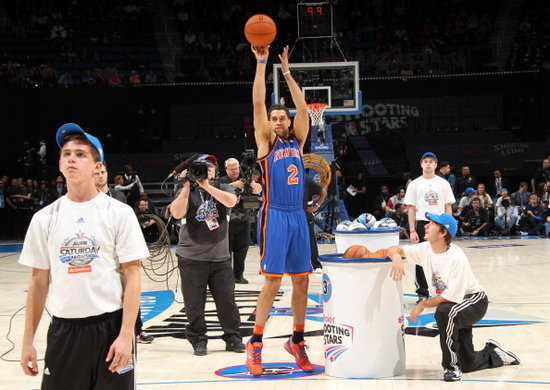 纽约 阿兰/腾讯体育讯2012年全明星赛投篮之星比赛,纽约队在纽约传奇巨星...