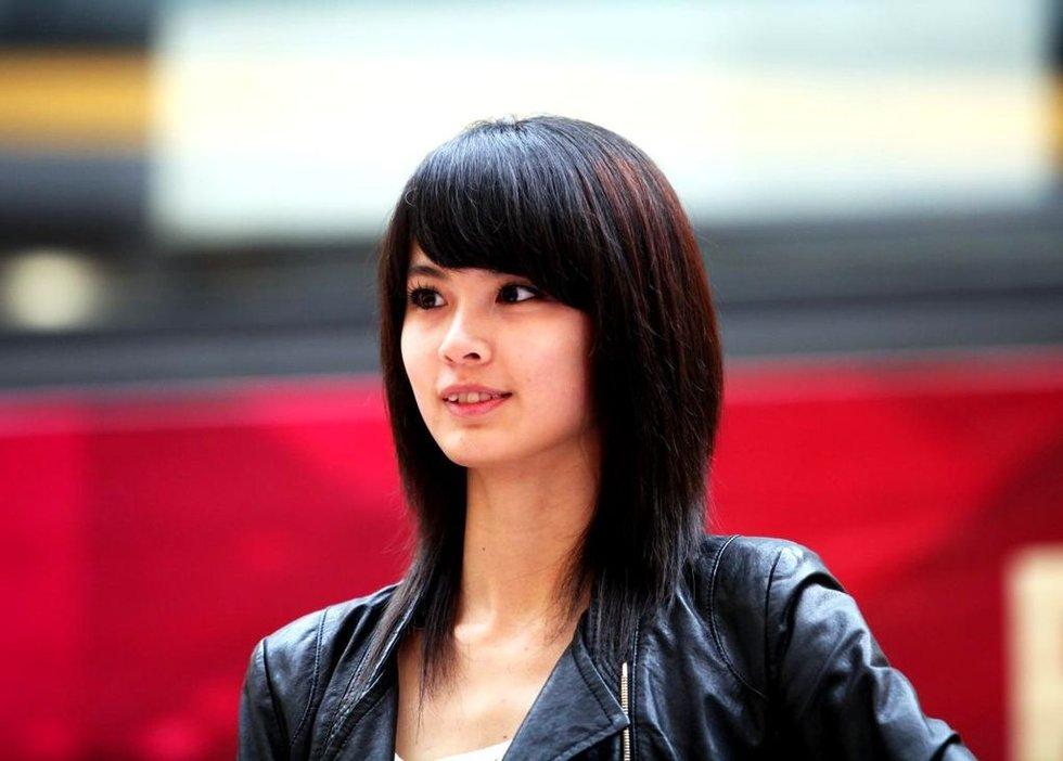 2012年新丝路模特大赛武汉海选 现场美女云集