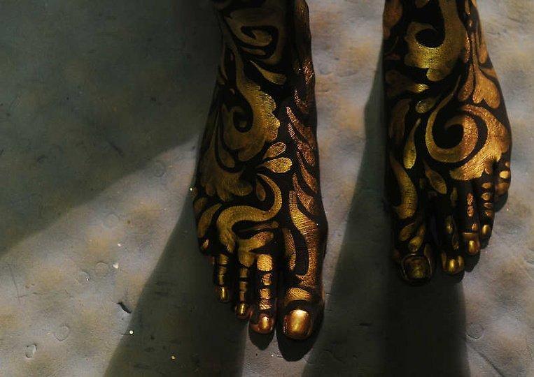 欧美男人人体艺术西西网_美国大胆时装秀上演另类人体艺术