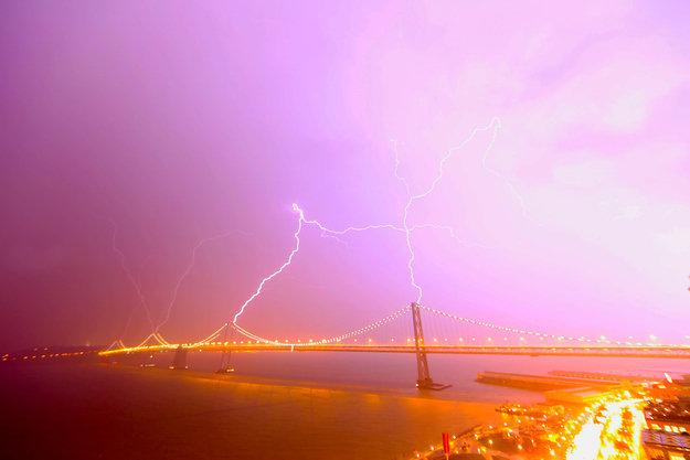 你知道旧金山上演雷神之怒吗?