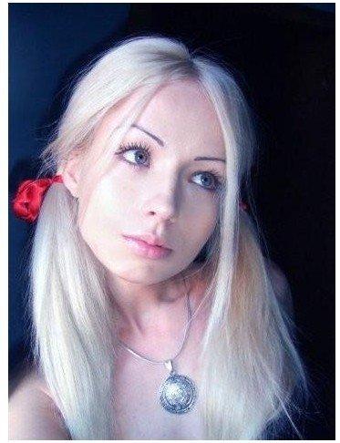 乌克兰美到惊艳的真人版金发芭比娃娃