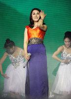 李雨儿现场演唱《云上山歌》