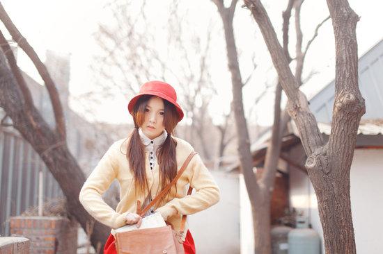 宣传写真.当天天气温暖,充足的阳光很适合摄影师为她量身设计的