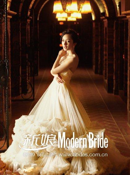 杨幂欧式复古婚纱写真显典雅高贵