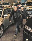 林峰官恩娜赶拍《雷霆扫毒》 爆炸场面两车擦撞