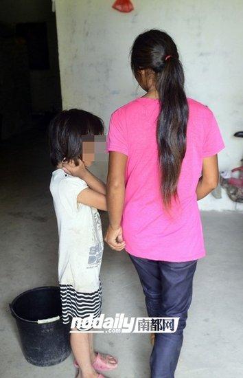 母亲在家里每天都要安慰她.-惠州女童放学疑遭猥亵下身流血 寻目击者图片 33635 354x550