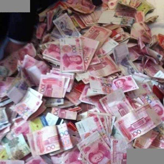 网曝90后男女开房炫富 百万钞票铺满床 - 祥子的博客 - 祥子的博客